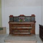 025a postranní oltáře